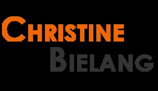 Yogalehrerin Christine Bielang